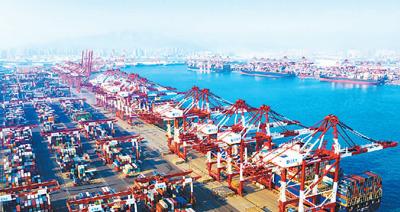 """中国仍是世界经济增长""""火车头""""(国际论道)"""
