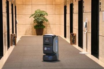 送快递外卖做消毒,在上海机器人要成精