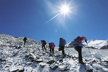 上高原爬雪山,5G信号这样进西藏
