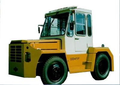 大连QD45牵引车